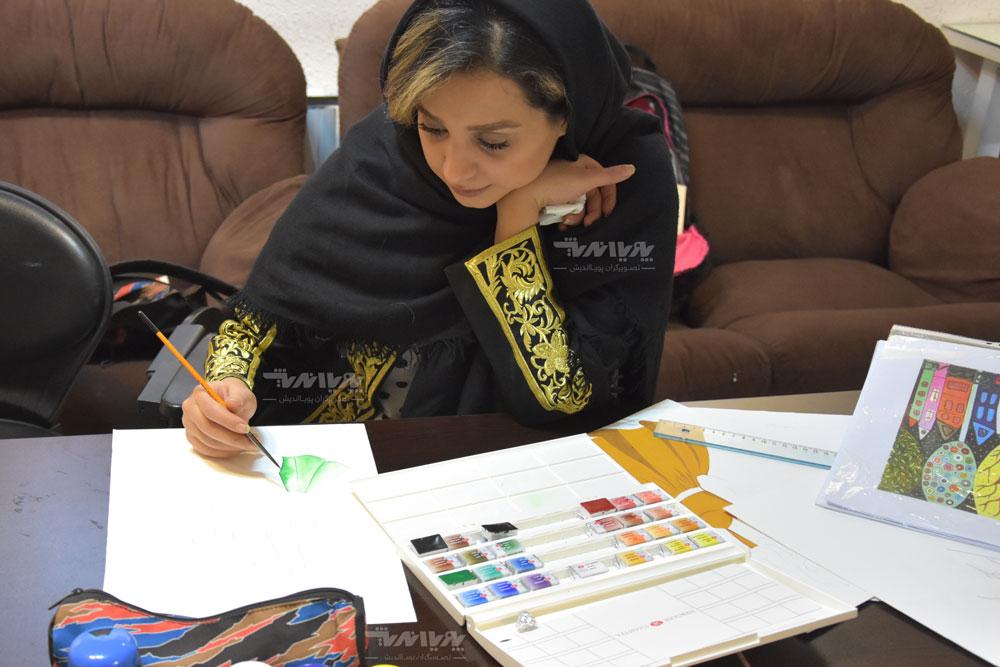 هنرجوی آموزش نقاشی آبرنگ
