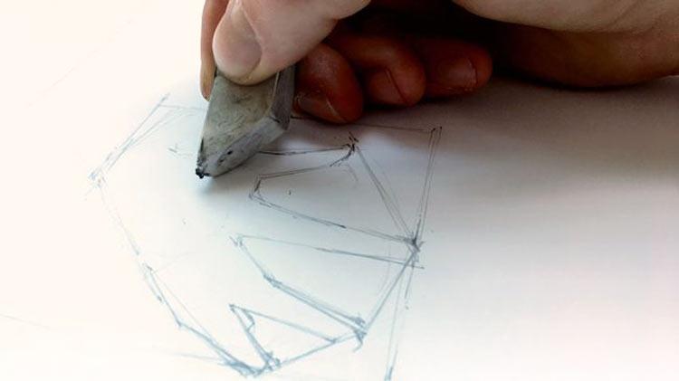 طراحی دست با مداد